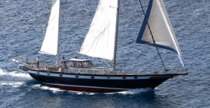 sailing yacht charter Augustine